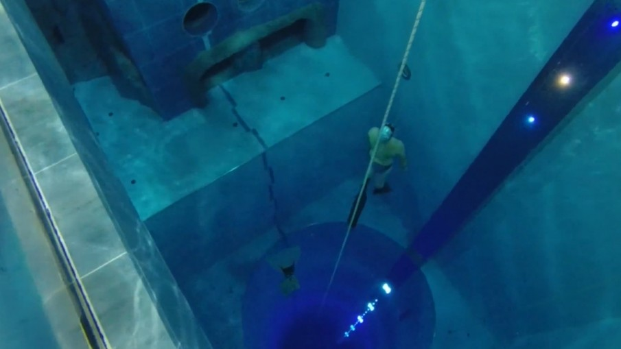 This Is The Deepest Swimming Pool In The World Gtcrea8